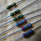 2k2 0.5W Roederstein resistor, each